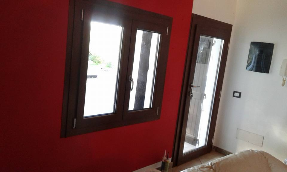 Great good porta pvc finestra pvc infissi pcv sardegna - Finestre in alluminio o pvc differenze ...